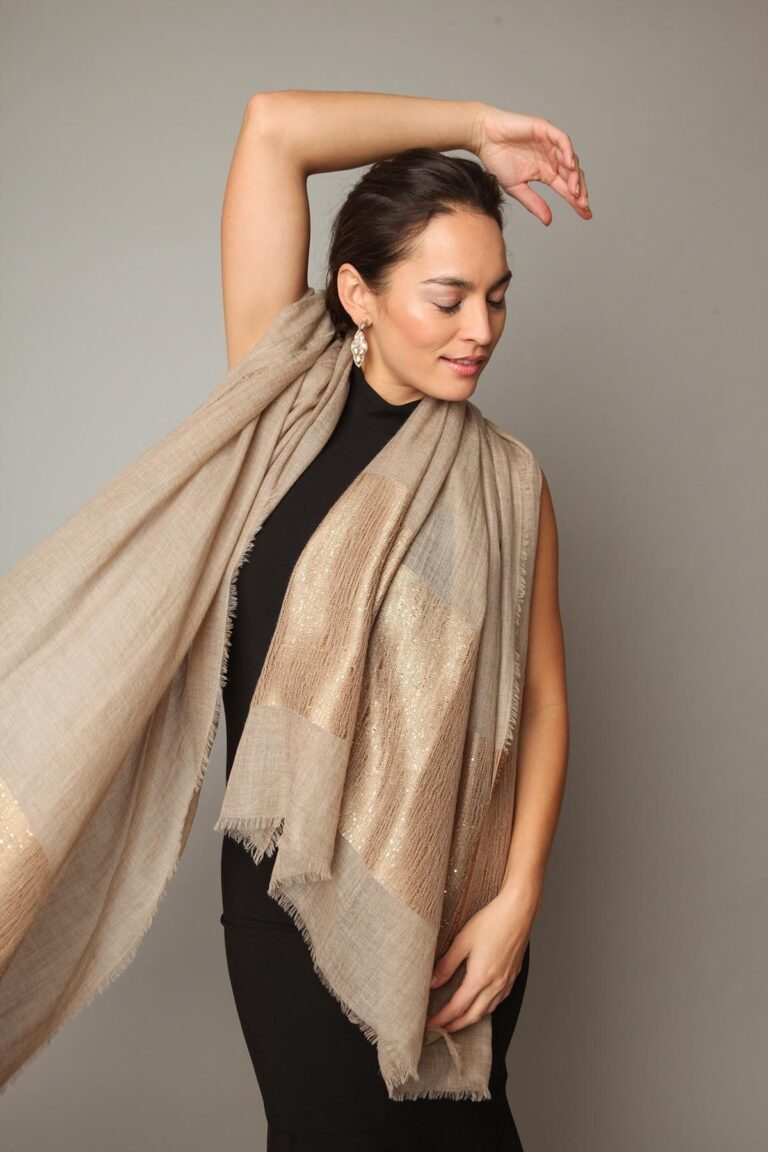DIFFERENT TYPES OF SCARVES AND HOW TO WEAR THEM